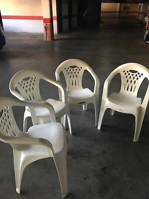 sillon de resina en buen estado segunda mano  Algeciras