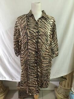 Panta Rei Animal Print Beachwear Dress / Long Top XL As New