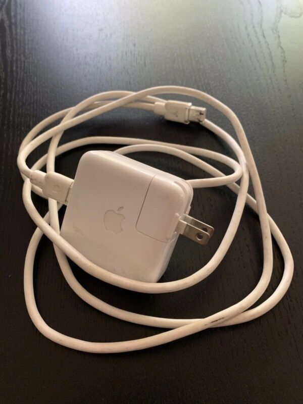 Apple iPod Original Firewire Model A1070 Adapter A/C Power Supply Plus Cable