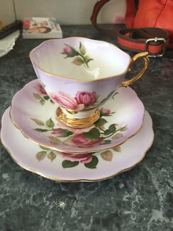 Wanted to buy: Royal Albert English Beauty Elizabeth Town Meander Valley Preview
