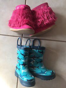 Girls size 6 boots