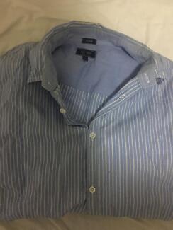 Light Blue Men's Armani Jean Buttoned Shirt (M)