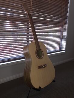 Wanted - Damaged Cole Clark and Maton acoustic guitars - SE QLD