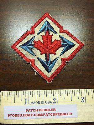 CANADA SOUVENIR PATCH ~ Red Canadian Maple Leaf Blue Arrows 5OU9