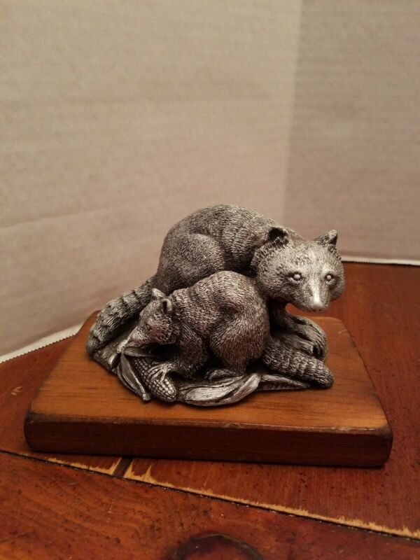 1979 Relic Art Brooklyn NY Mama Raccoon with baby Cubs Signed Bruno DeSantis
