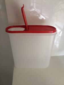 TUPPERWARE SUPER OVAL #5 WITH RED CHILLI LID - NEW South Morang Whittlesea Area Preview