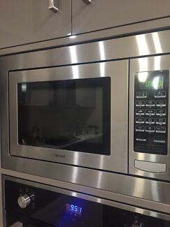 Technika Integrated Microwave with Grill