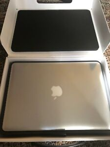 MacBook Pro 2011, i5, 16GB, Office 2016, FincalCut, Adobe CC,