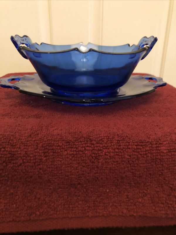 L.E. Smith Cobalt Blue Depression 2 Handle Glass Bowl And Saucer Mt pleasant