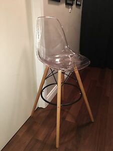 Tall clear chair  Oakville / Halton Region Toronto (GTA) image 1
