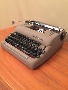 Smith- Corona Typewriter 'Super' 1954 - Vintage Portable