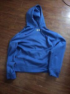 Men's medium under armour hoodie