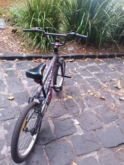 Southern Star Girls Bike In a very good condition Burwood Burwood Area Preview