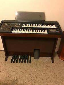 FREE Electron Organ + Stool +Sheet music Coolatai Gwydir Area Preview