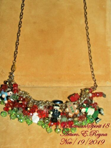 Arturo E.Reyna CHRISTMAS CHARMS Czech Glass Beads HANDMADE Bracelet/Necklace