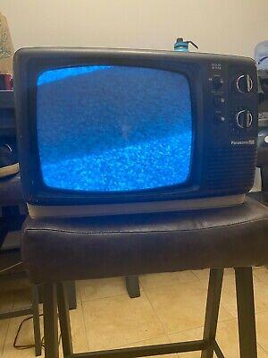 Vintage Retro Panasonic TR-602 TV Television Solid State 1975 white portable