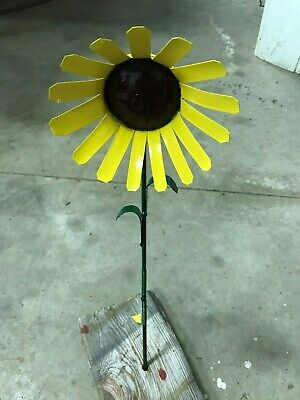 """All recycled metal sun flower home garden stake yard art lawn ornament 18"""" tall"""