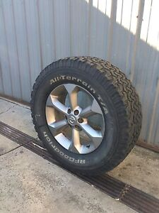 Nissan navara wheel and tyre 275/65 r17 Meadow Heights Hume Area Preview