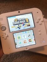 Nintendo 2DS Scarlet Red with New super mario bros 2