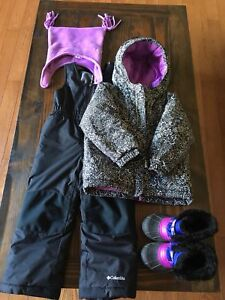 EUC  toddler girl 4T columbia snowsuit and Sorel boots + hat