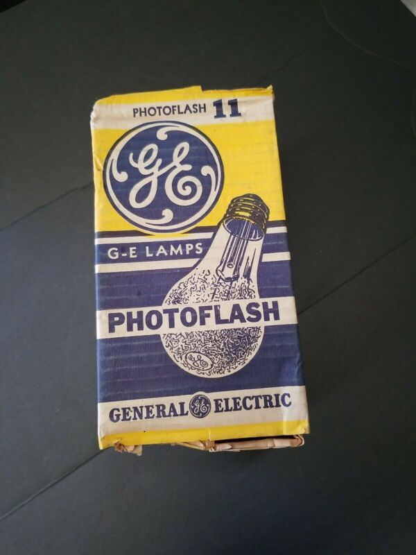 8 Vintage GE Photoflash #11 Flash Bulb Lamps General Electric NEW OLD STOCK
