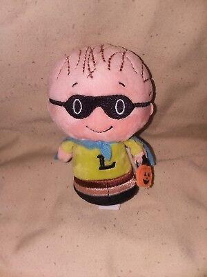 Halloween Surprise (Hallmark Itty Bitty Peanuts Gang Halloween Surprise Linus)