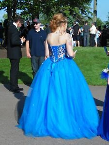 8cd5be5563 Prom dresses for sale !