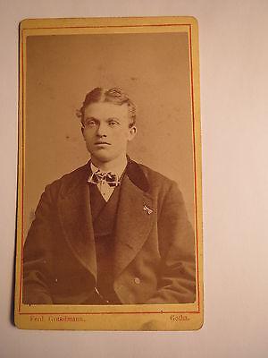 Gotha - junger Mann im Anzug - Portrait / CDV
