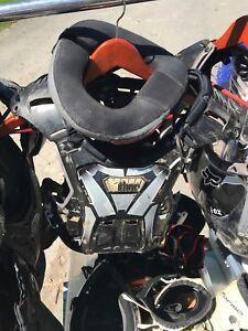 Plastron motocross enfant avec collet