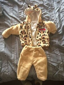 NWOT - 12mo bear outfit