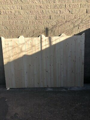 Wooden Bi-folding Driveway Gates 14ft  wide X 6ft high For Steve
