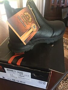 Safety boots New size 10.5 Mundaring Mundaring Area Preview