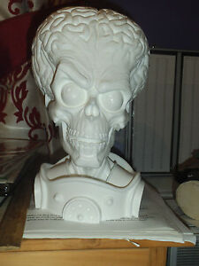 MARS-ATTACKS-1-3-SCALE-UNPAINTED-RESIN-BUST-11-1-2-inches-6-1-2-inches