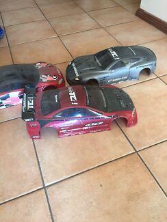Tamiya 1/10 4wd rc car and lots of parts