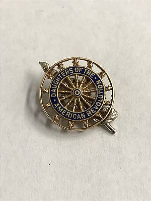 14k Yellow Gold Daughters of the American Revolution Pin DAR