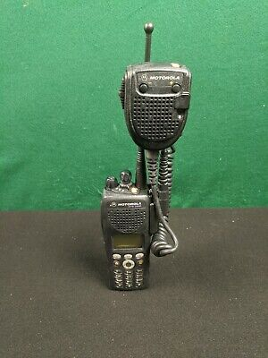 Motorola Xts2500 700800 Mhz Model 3 Full Keypad P25 Trunking Radio H46uch9pw7an
