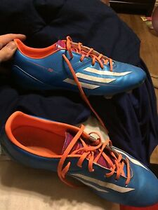 Adidas f10 soccer shoes