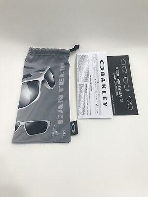 New ORIGINAL Oakley CANTEEN UNIQUE White&gray microfiber pouch(luxottica) for sale  North Miami Beach