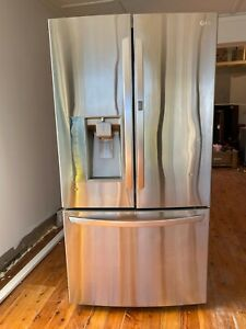 LG 907Ltr  French Door Fridge (Ice maker and Plumbed water) Cost $4K