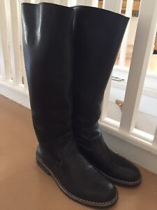 Women's leather roots boots