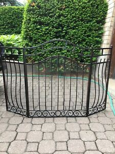 Gate for Fireplace / Cloture Foyer