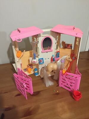 2001 Extremely Rare Vintage Mattel Barbie Styling Stables & Baby Horse Playset