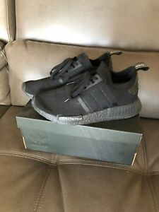 Nmd R1 triple black (japan). Size 8.5