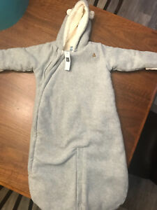 BNWT Gap Bunting suit 6-12 month