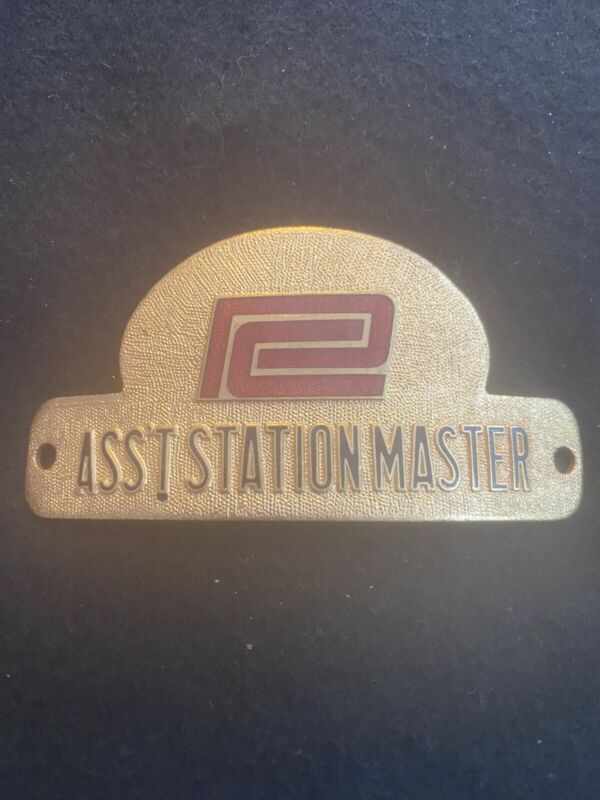 PENN CENTRAL RAILROAD ASST STATION MASTER Hat Badge, Unused.