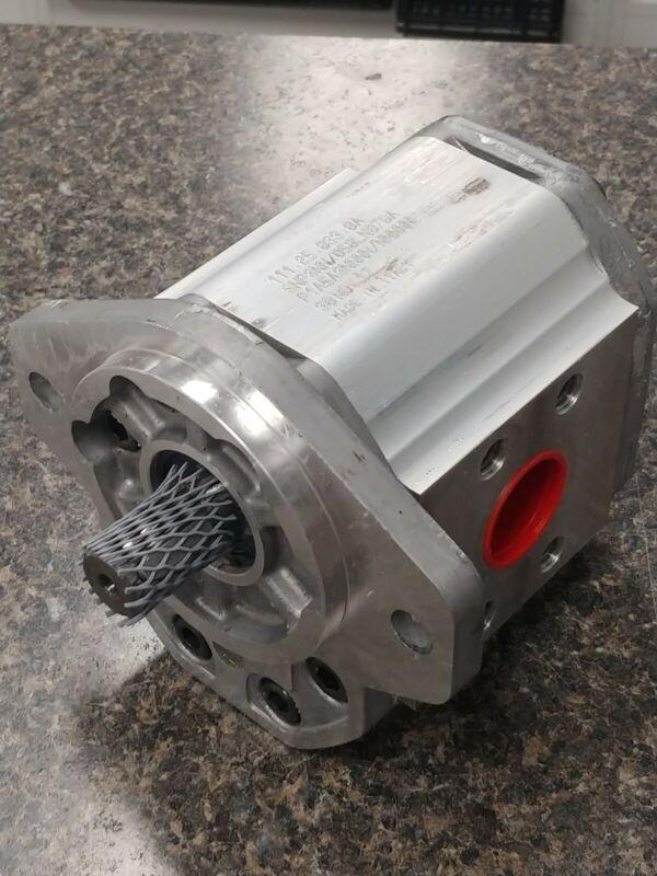 NEW HYSTER , YALE  1367711 , 580006927 Forklift Hydraulic Pump