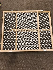 Sliding Baby Gate - Like New Condition