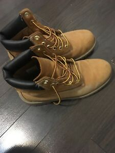 Timberlands Youth size 6