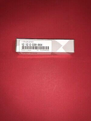1X 12120039664 Spark Plug 97506 Genuine For BMW X3 F22 F30 F31 228i 328i 528i
