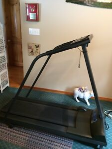 WESLO CADENCE 860 treadmill REDUCED TO SELL!!!!